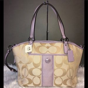 Coach Tote Signature Pocket